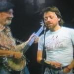 Lillebjørn & Pete Seeger with his long neck banjo